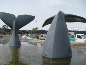 鯨の尻尾のオブジェ